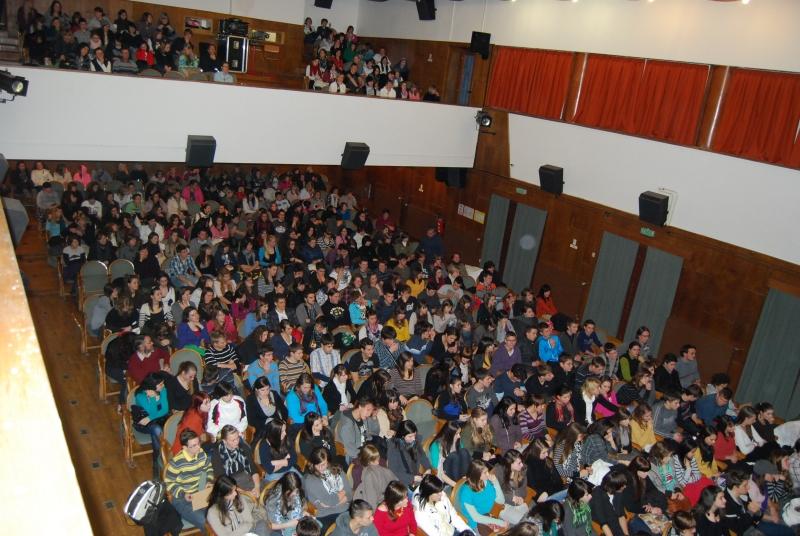 350 visitors watching a film in Kino Črnomelj.