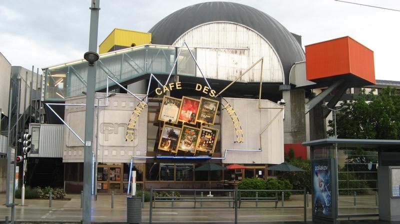 Café des Images Entrance 2