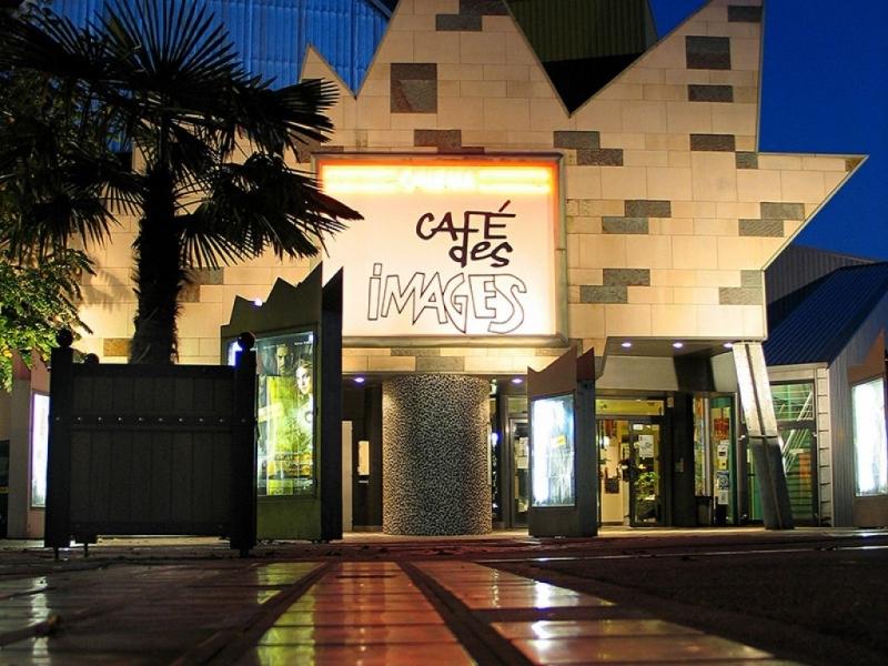 Café des Images Façade 1