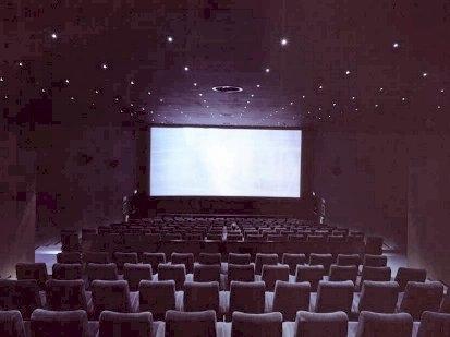 Cinéma avec 200 places